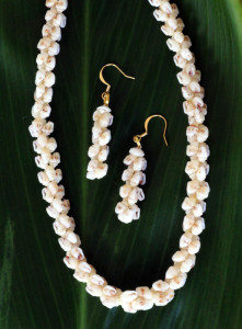 Ni'ihau jewelry in the combined helikonia and pikake styles.