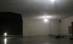 Empty gallery, time to start constructing.
